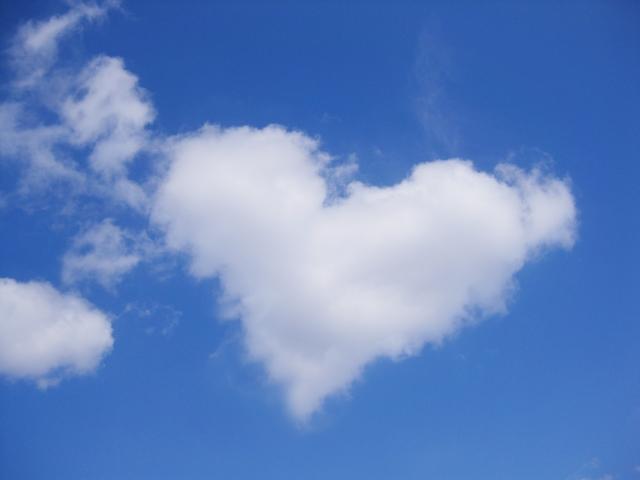 ハート形の雲